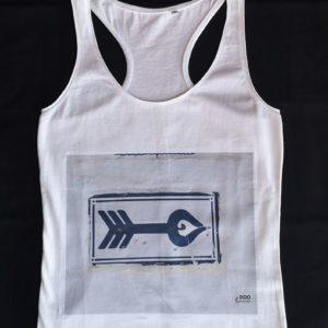 camiseta-tipo-nadador-blanca-foto-flechazo